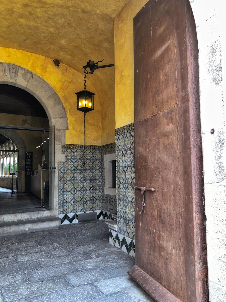 BarcaDoors Monastery©HelenBushe