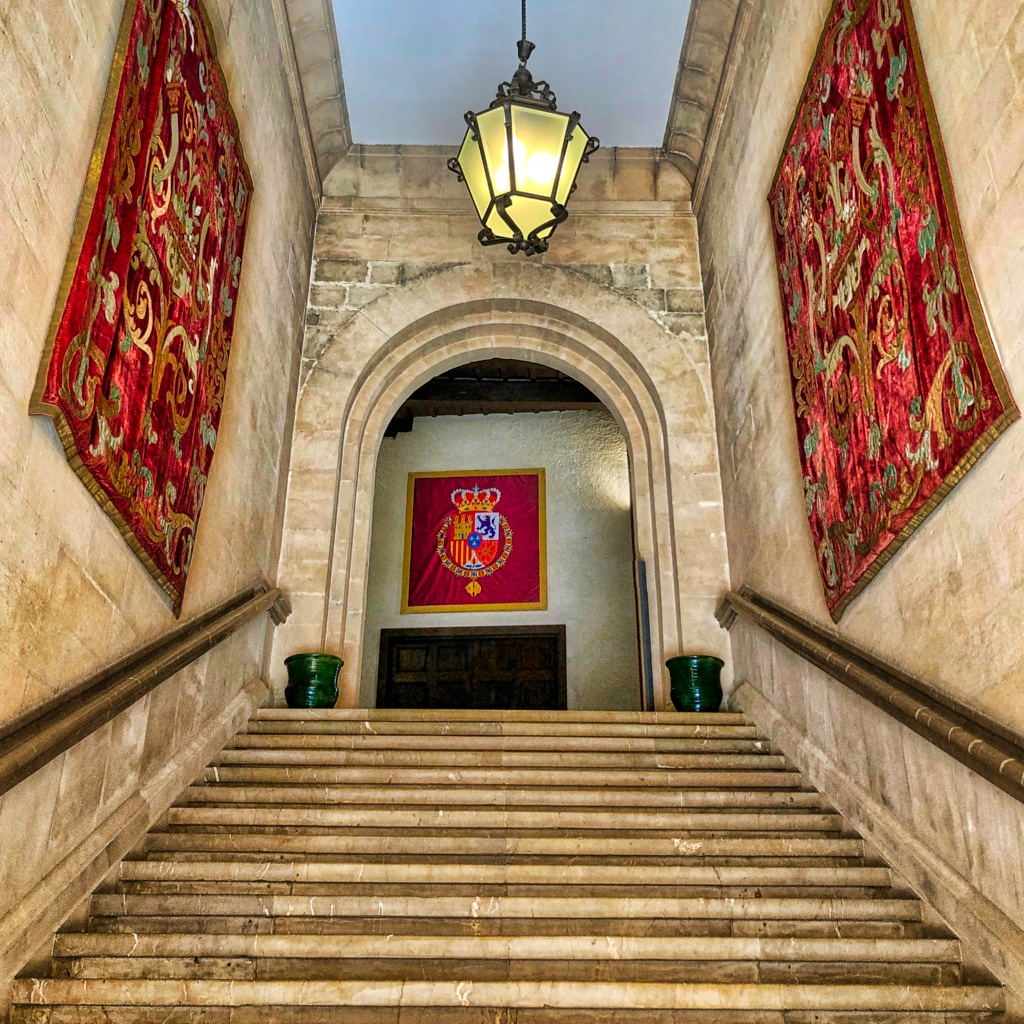 PALMA: Staircase with Tapestries ©HelenBushe