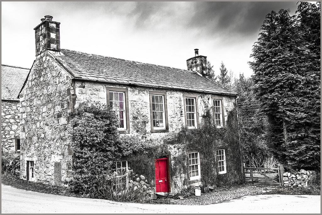RED: Cottage Door